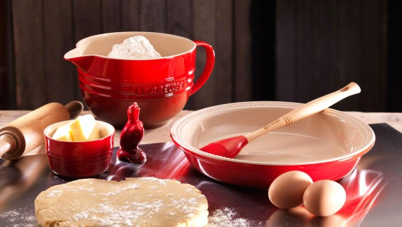Le Creuset Pie Dish and Bird