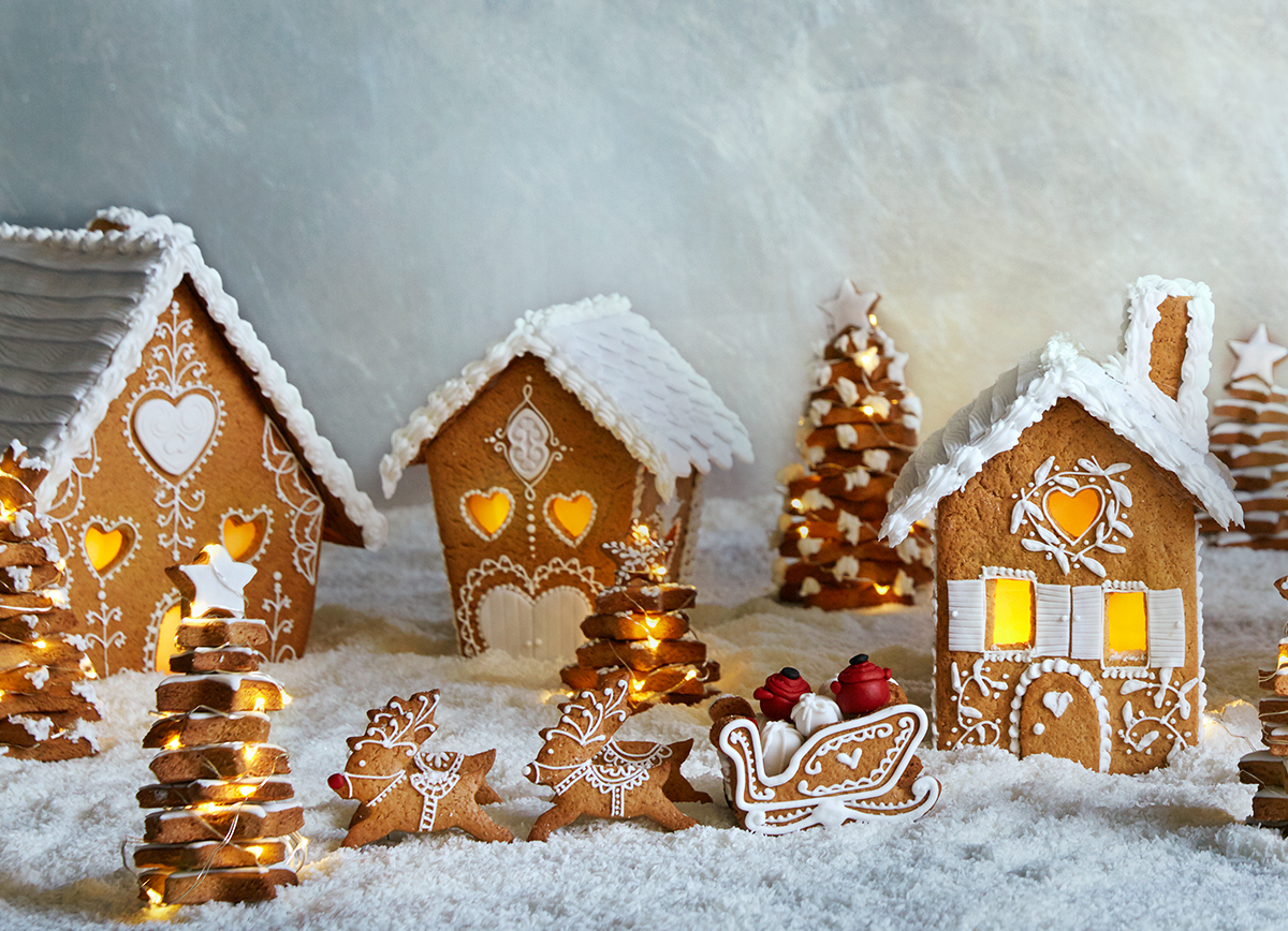 Le Creuset Competition Closed Build A Gingerbread
